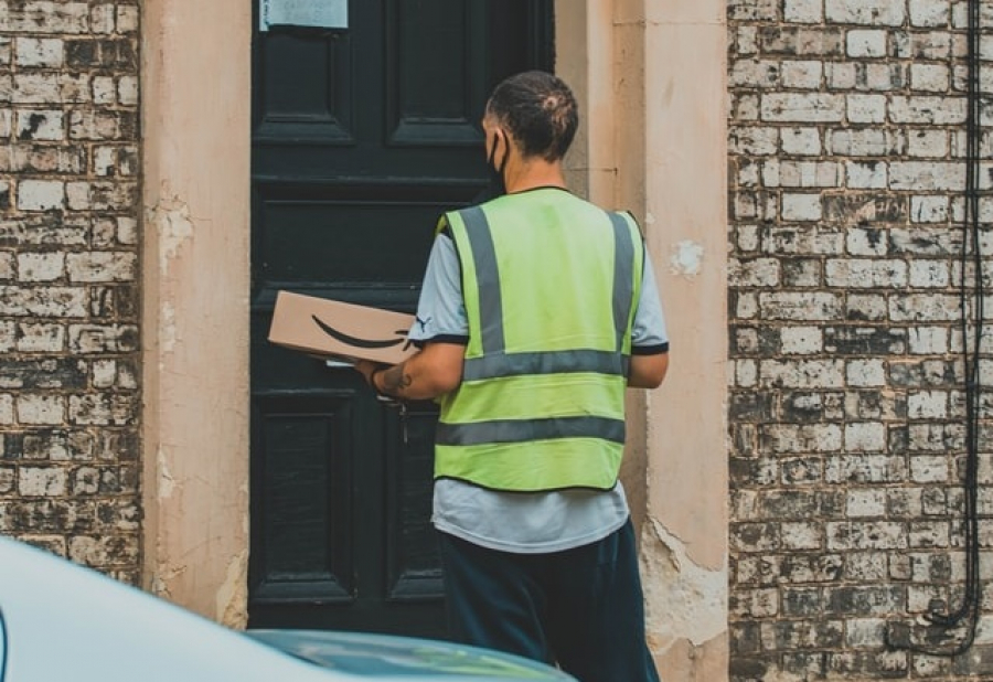 Amazon Ordered to Pay Fine for Withholding Tips From Delivery Drivers - Gig Workers